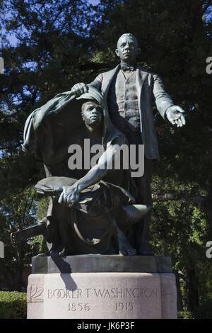 USA, Ohio, Tuskeegee Tuskeegee, Lieu historique national de l'Institut, l'Université d'origine afro-américaine majeure fondée par Booker T. Washington, Booker T. Washington statue