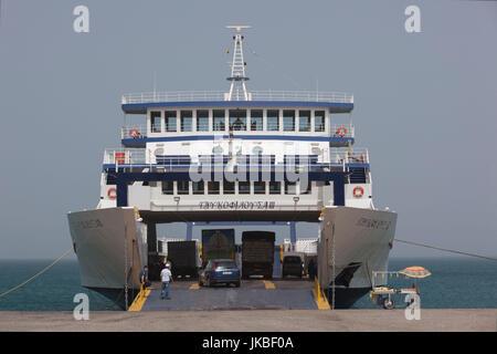Grèce, Péloponnèse Région, Golfe de Corinthe, patra-salon, ferry boat, port de Antirio Banque D'Images