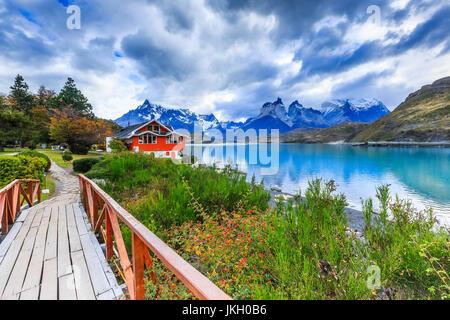 Parc National Torres del Paine, Chili. Le Lac Pehoe. Banque D'Images