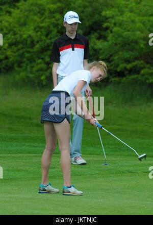 Adolescent enfant Junior golf golfeur