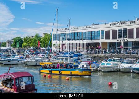 Port flottant à Bristol vers Clifton