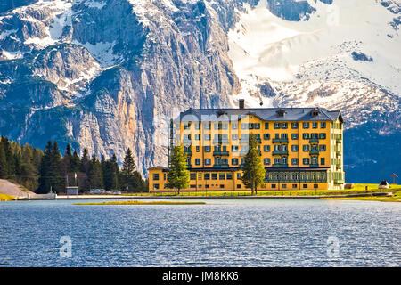 Paysage de rêve de lac de Misurina, région des Alpes en Vénétie (Italie) Banque D'Images