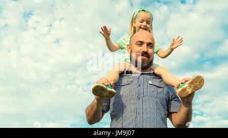 Père et fille adorable portrait, famille heureuse, concept futur Banque D'Images