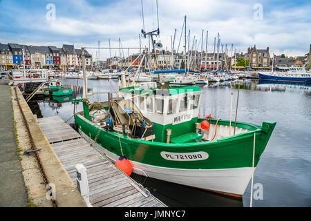 France bretagne c tes d 39 armor guingamp rue edouard ollivro 16e si cle maisons colombages - Port de peche cote d armor ...