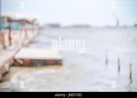 Seascape floue de l'été, quai, abstract background Banque D'Images