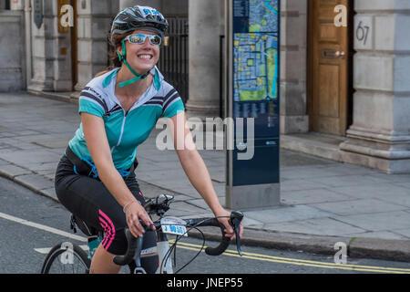 Londres, Royaume-Uni. 30 juillet, 2017. La Prudential Ride London Surrey 49, pour les amateurs de la charité et Banque D'Images