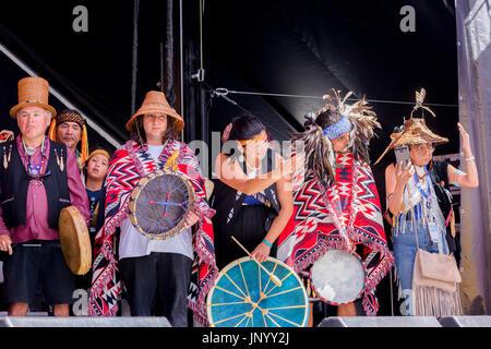 Vancouver, Canada. Juil 30, 2017. Cérémonie de clôture au Festival, le tambour est l'appel, le Canada 150 cas, Larwill Banque D'Images
