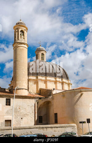Sassari Sardaigne, le clocher de l'église baroque et coupole de l'église Santa Maria di Betlem à Sassari, Sardaigne.
