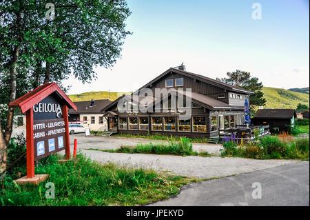 GEILO, NORVÈGE - 19 juillet: Joli petit restaurant et café dans la ville de Geilo, Norvège Banque D'Images