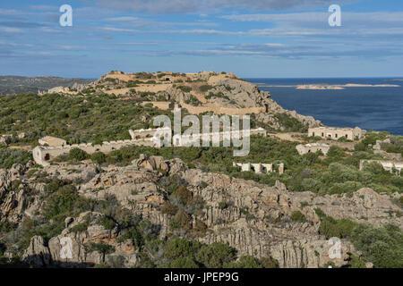 Batteria di Capo d'Orso, caserne militaire, sur le rocher de l'ours près de Palau, Sassari province, région de Gallura, Banque D'Images