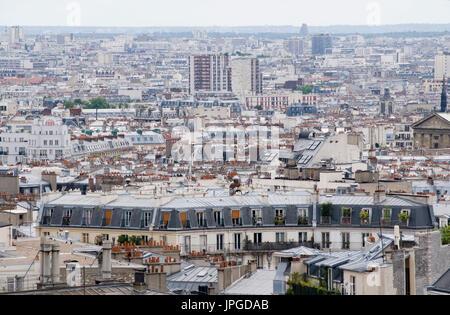 Vue sur le sud de Paris, près de Montmartre Sacre-Coeur, Paris, France. Banque D'Images