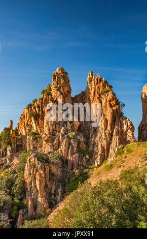 Les roches de granite porphyrique Orange, à les Calanche de Piana, Site du patrimoine mondial de l'UNESCO, Corse Banque D'Images