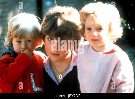 31 août 2017 marque 20 ans depuis la mort de la princesse Diana. La princesse Diana meurt de blessures graves dans les premières heures du 31 août 1997 après un accident de voiture à Paris. Photo: c. fin des années 70 - Diana en tant que professeur des écoles. La princesse Diana Lady Diana Spencer Globe Crédit: Photos/ZUMAPRESS.com/Alamy Live News