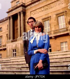 31 août 2017 marque 20 ans depuis la mort de la princesse Diana. La princesse Diana meurt de blessures graves dans les premières heures du 31 août 1997 après un accident de voiture à Paris. Photo: Août 1981 - La Princesse Diana et le Prince Charles. Globe Crédit: Photos/ZUMAPRESS.com/Alamy Live News