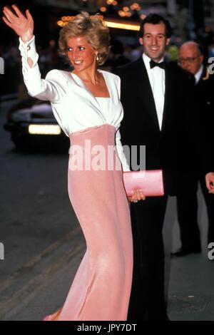 31 août 2017 marque 20 ans depuis la mort de la princesse Diana. La princesse Diana meurt de blessures graves dans les premières heures du 31 août 1997 après un accident de voiture à Paris. Sur la photo: le 27 juillet 1989: Ballet du Bolchoï la princesse Diana. Globe Crédit: Photos/ZUMAPRESS.com/Alamy Live News