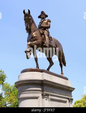 BOSTON, USA - Le 06 août 2017: La Statue de George Washington à Boston Public Garden est l'un des plus beaux monuments de la ville.