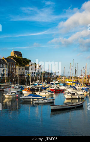 Boat Harbour d'Ifracombe, North Devon, Angleterre, Royaume-Uni, Europe Banque D'Images