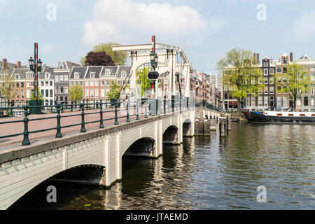 Magere Brug, le pont Maigre, Amsterdam, Pays-Bas Banque D'Images