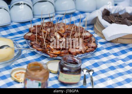 L'alimentation mixte rustique traditionnelle portugaise sélection gastronomique sur une table