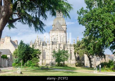 Jardin Anglais Basilique Saint Sauveur Dinan Bretagne France
