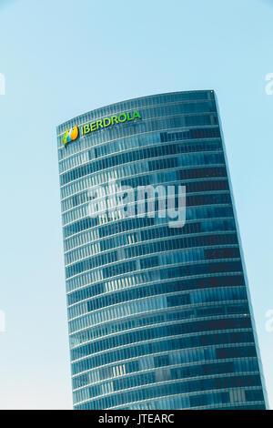 Bilbao, Espagne - 19 juillet 2016: Gros plan sur le gratte-ciel d'Iberdrola, l'une des 10 plus grandes entreprises Banque D'Images