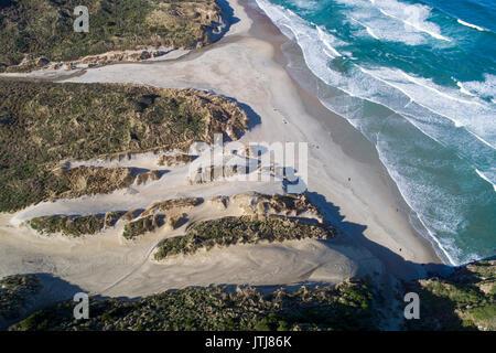 Phlébotome Bay, péninsule d'Otago, Dunedin, Otago, île du Sud, Nouvelle-Zélande - Antenne de drone Banque D'Images