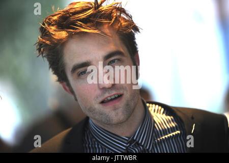 La ville de New York. 8e août, 2017. Robert Pattinson assiste à la première de New York 'Bon temps' au théâtre SVA Banque D'Images