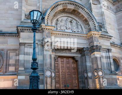 Grand porte des ornements nouvellement restauré McEwan Hall, Université d'Édimbourg, l'hôtel de l'obtention du diplôme Banque D'Images
