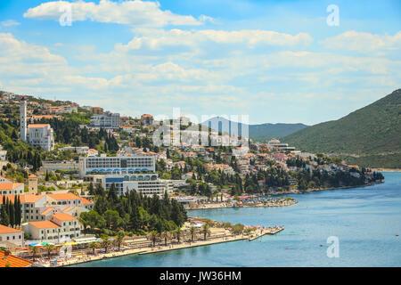 NEUM, Bosnie-herzégovine - le 16 juillet 2017: une vue sur la ville et le front de mer à Neum, Bosnie-et-Herzégovine.