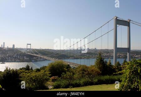 Vue sur le Bosphore et le pont Fatih Sultan Mehmet photo, prise d'Otagtepe, de Beykoz à Istanbul, Turquie Banque D'Images