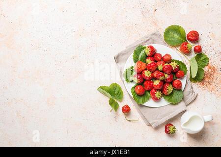 Tas de fraises fraîches Banque D'Images