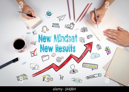 Nouvel état d'esprit nouveau concept. les résultats de la réunion à la table bureau blanc. Banque D'Images