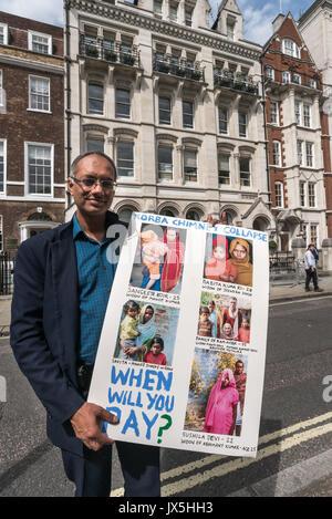 Londres, Royaume-Uni. 14Th Aug 2017. Londres, Royaume-Uni. 14 août 2017. Un avocat qui s'est rendu à Korba 3 mois Banque D'Images
