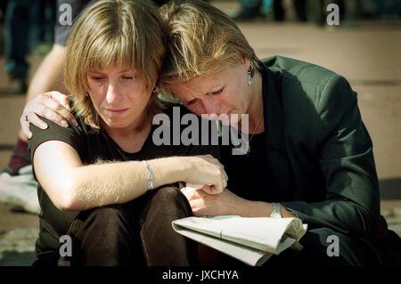 En deuil à Princess Diana's Funeral 6 Septembre 1997 Banque D'Images