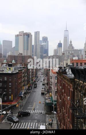 New York, USA. 7e mars. Vue depuis le pont de Manhattan de Chinatown. Banque D'Images