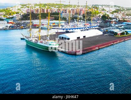 Martinique france d partement cara bes l 39 le presqu 39 ile de la caravelle la trinit - Le port de fort de france ...