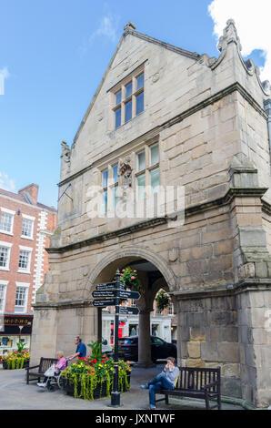 Le Vieux Marché située sur la place du centre de Shrewsbury, Shropshire Banque D'Images
