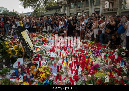 Barcelone, Catalogne, Espagne. Août 19, 2017. Hommages aux victimes de l'attaque de Barcelone. Crédit: Charlie Banque D'Images