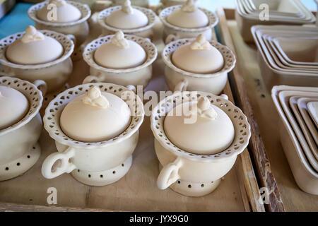 Groupe d'argile blanche, bols de sucre