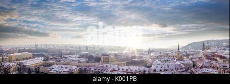 Belle vue de Prague au cours de l'heure d'hiver en République tchèque Banque D'Images