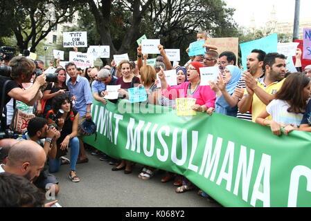 Barcelone, Espagne. Août 21, 2017. Espagne communauté musulmane lors d'une manifestation contre les attaques terroristes à Barcelone Catalunya le lundi 21 août 2017. Gtres más información: crédit en ligne Comuniación,S.L./Alamy Live News