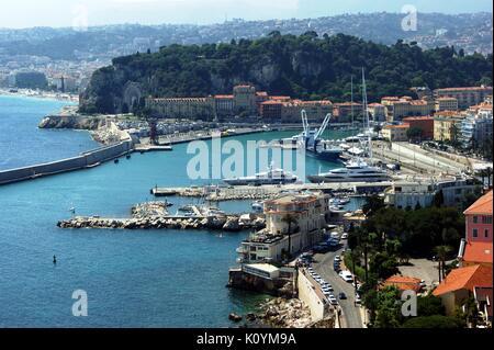 Le port de Nice à partir de la Corniche, France Banque D'Images