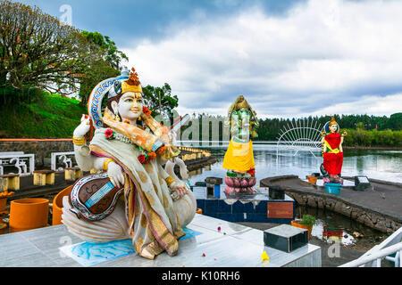 Monuments de l'Île Maurice - Grand bassin temple hindou sur le Lakeside Banque D'Images