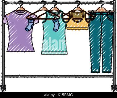 Crayon de couleur silhouette de femme porte manteau avec t-shirts et pantalons sur des cintres Banque D'Images