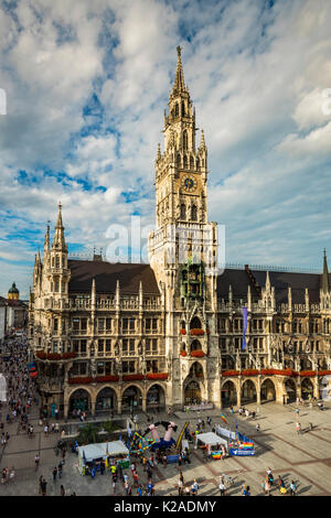 Nouvel hôtel de ville ou Neues Rathaus, Marienplatz, Munich, Bavière, Allemagne Banque D'Images
