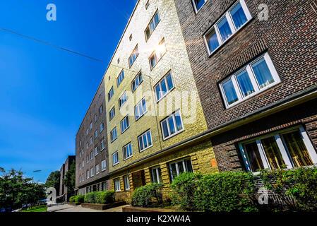 Le golden house avec façade doré sur la Veddel à Hambourg, oeuvre d'art de l'artiste Boran Burchhardt Goldhaus, Banque D'Images