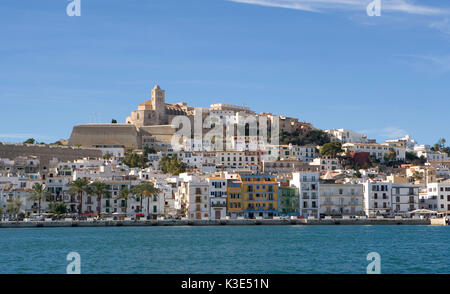 Eivissa, Ibiza, capitale de l'avis à la vieille ville de Dalt Vila, la cathédrale Santa Maria de las Nieves Banque D'Images