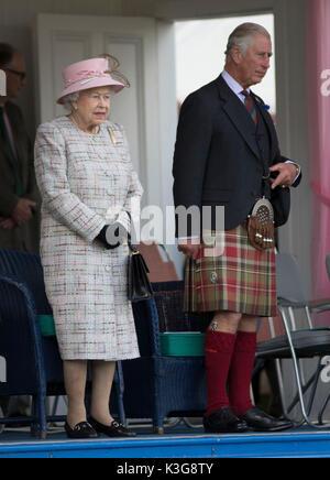 Londres, Royaume-Uni. Sep, 2017 3. La Reine Elizabeth II assiste à la collecte de 2017, un rapport de Braemar traditionnel écossais Highland Games, à Braemar, l'Écosse, le 2 septembre 2017. Source: Xinhua/Alamy Live News