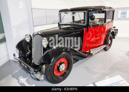 Germany, Bavaria, Munich, le Musée BMW, BMW 303 datée du 1933 Banque D'Images