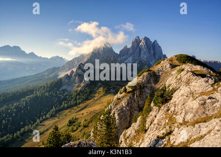 L'Europe, Italie, Vénétie, AURONZO di Cadore, Dolomites. Une vue vers Cadini di Misurina, vu de l'Ciampoduro Croda Banque D'Images